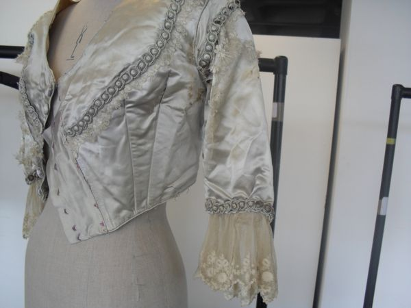 4_Embroidery_jacket