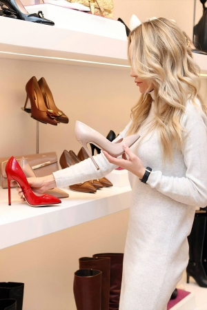 Ways to Select Shoes to Wear with an Outfit